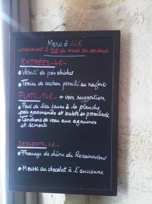 Bouchon et assiette 2